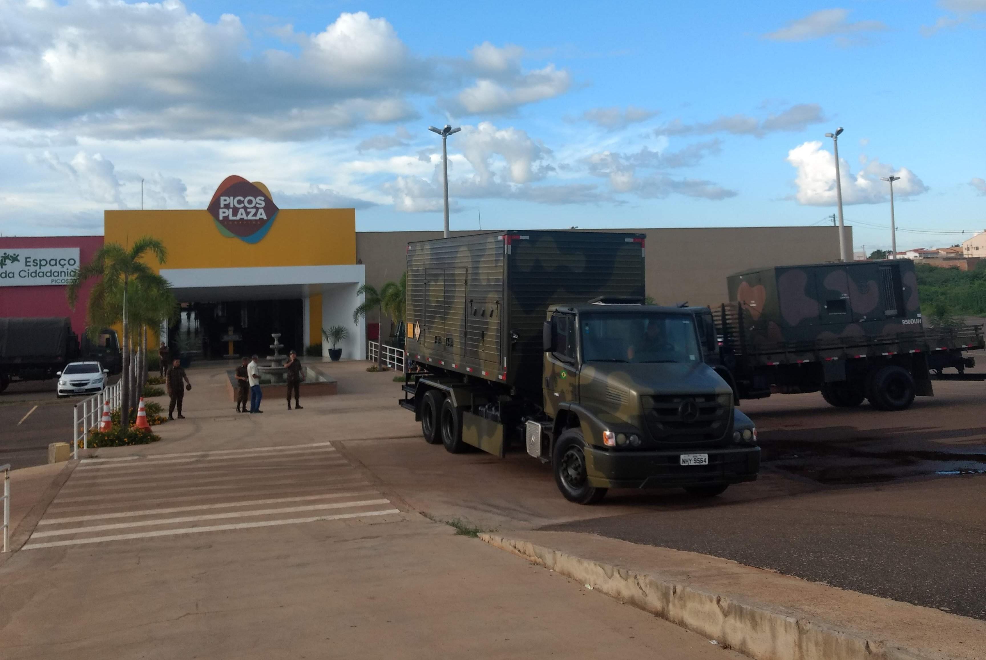 Picos Plaza Shopping recebe abertura da Semana da Engenharia do 3º BEC